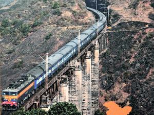 indian-railways-opens-door-to-private-steel-manufacturers