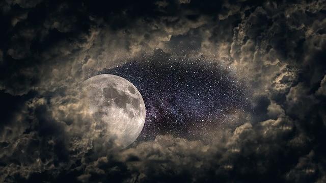 1528200732_moon