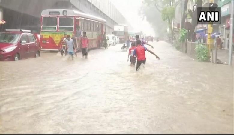 1528359259_mumbai-rains